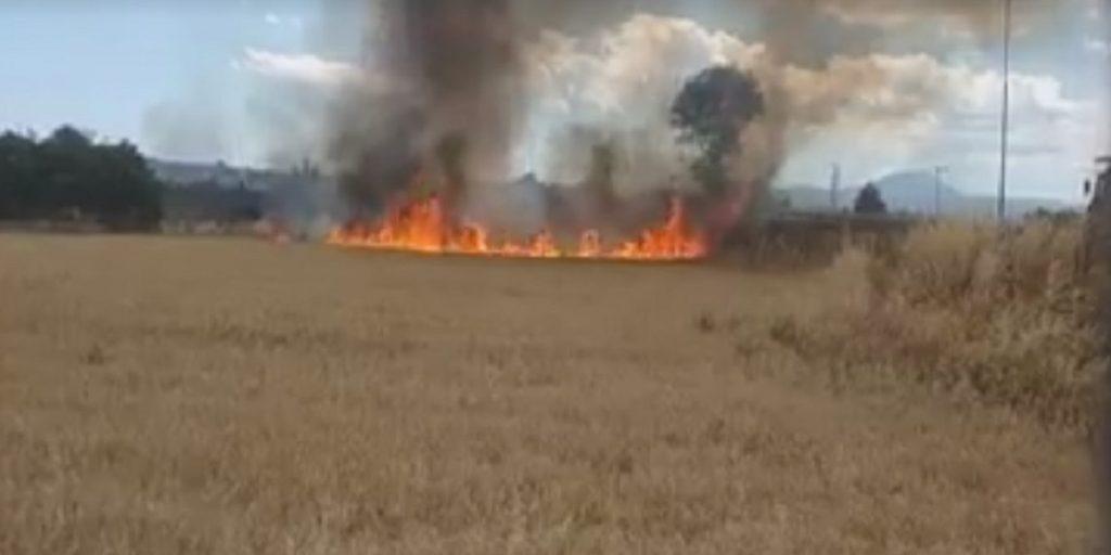 Ξεφεύγει η κατάσταση στο Πυρί. Λήστεψαν πυροσβέστες που έσβηναν ...